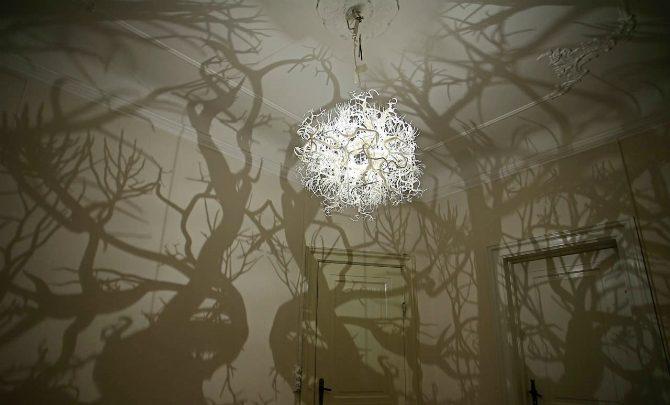 Taklampa taklampa vardagsrum : Unik lampa som skapar skog i vardagsrummet