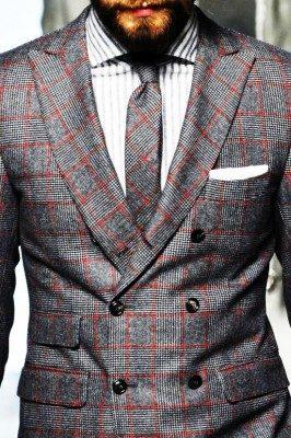 Matchande kostym och slips