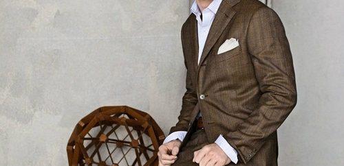 Brun kostym