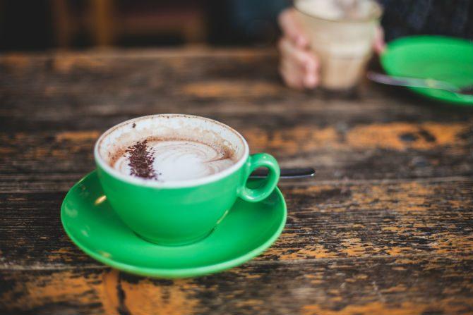 gå upp tidigt kaffe på morgonen