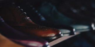 färg på skor till kostym blå svart mörkgrå brun