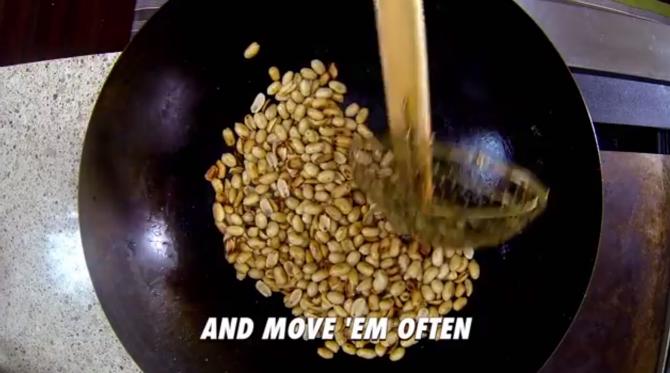 hur gör man eget jordnötssmör