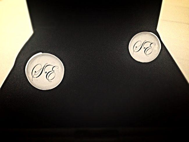 manschettknappar med initialer