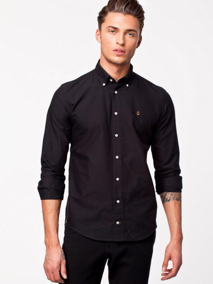 svart skjorta herr