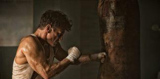 Träna Med Boxningssäck