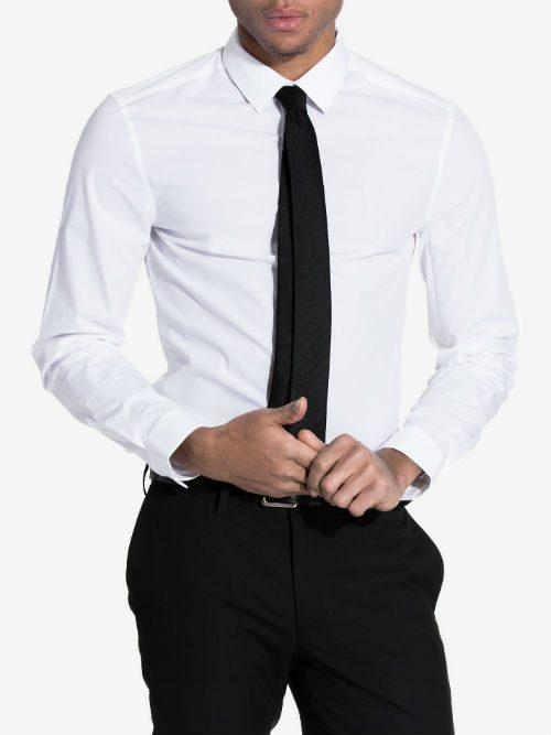 vit skjorta calvin klein