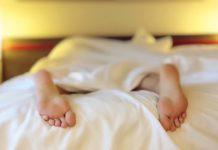 fördelar med att sova naken