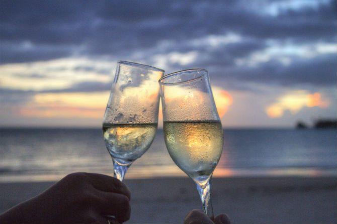Vad Är Skillnaden Mellan Champagne Och Cava