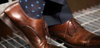 skall strumporna matcha skorna eller byxorna
