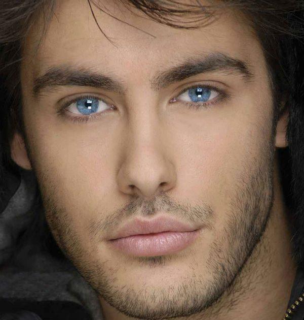färger som framhäver blåa ögon