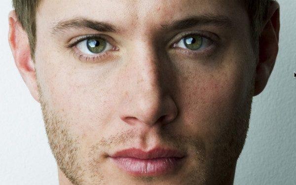 färger som framhäver gröna ögon
