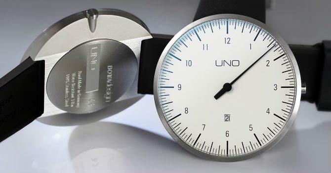 Klocka med en visare botta design uno