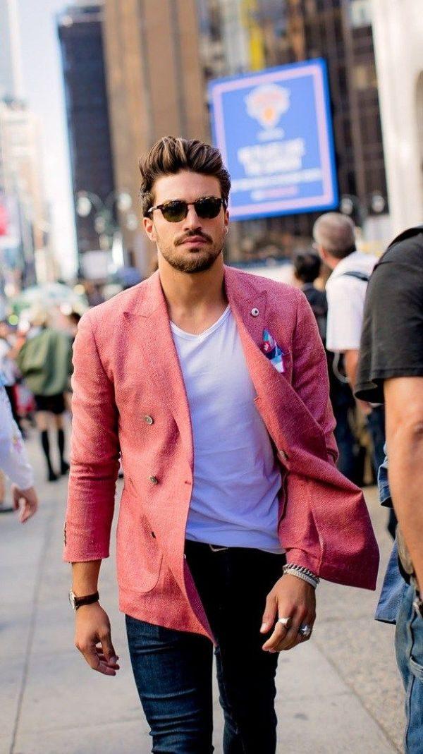 rosa kläder som man