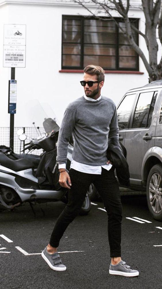 grå tröja grå sneakers