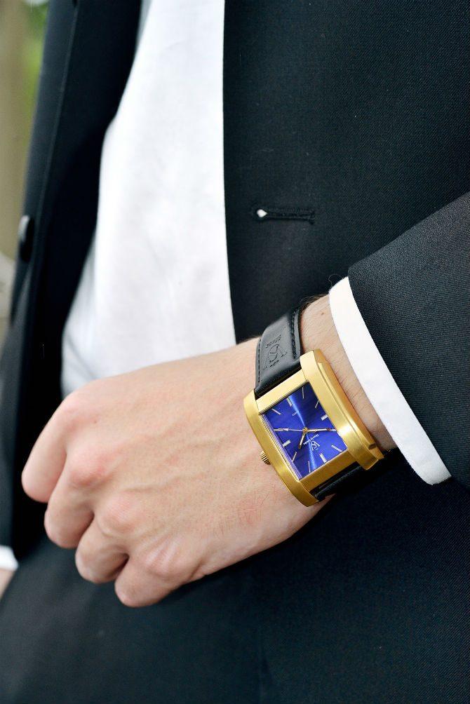 Söner by sweden guldklocka kostym