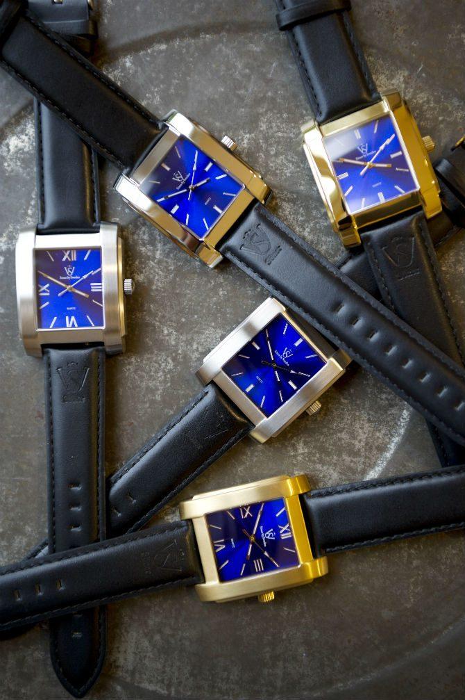 Söner by sweden silverklocka klockor på sten