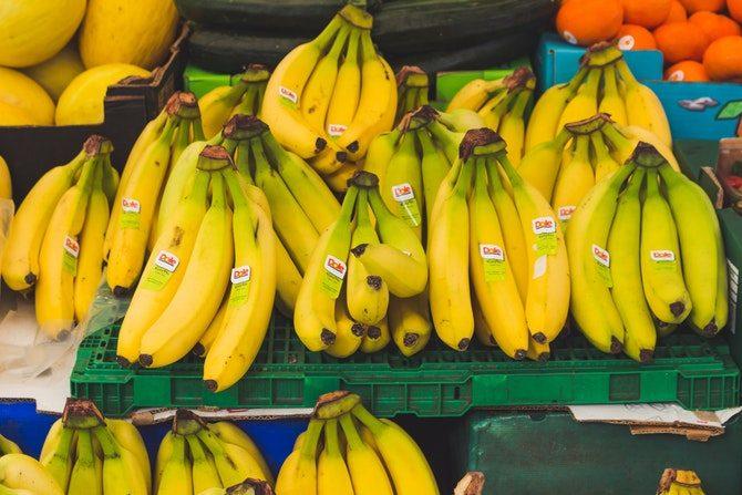 äta nyttigt ute på restaurang banan