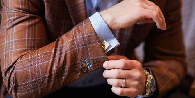 manschettknappar till rutig kostym