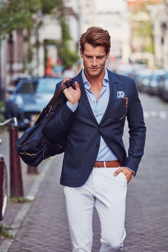 blå kavaj vita byxor outfit 2018