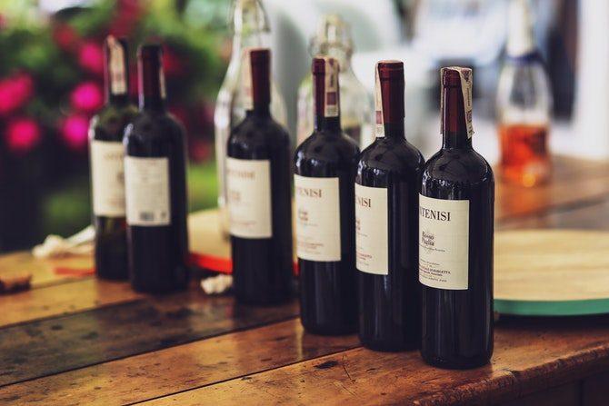 vara en bra gäst vin blommor