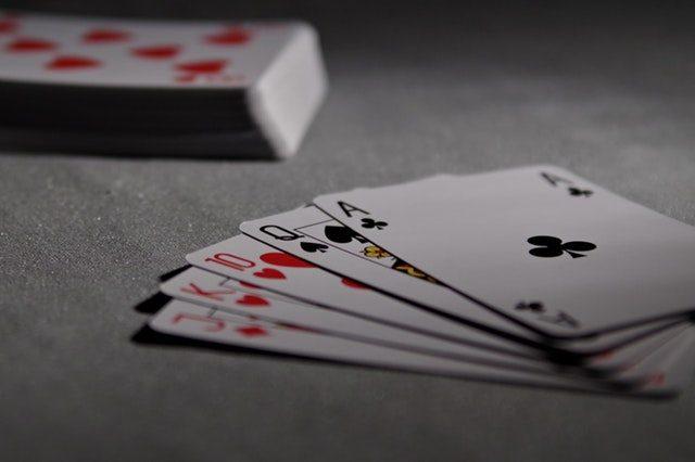 spela kort i telefonen