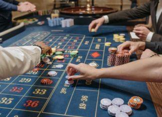 roulettebord folk som spelar