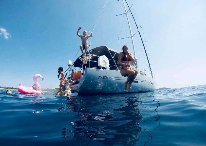 segla i Kroatien med skeppare och kock